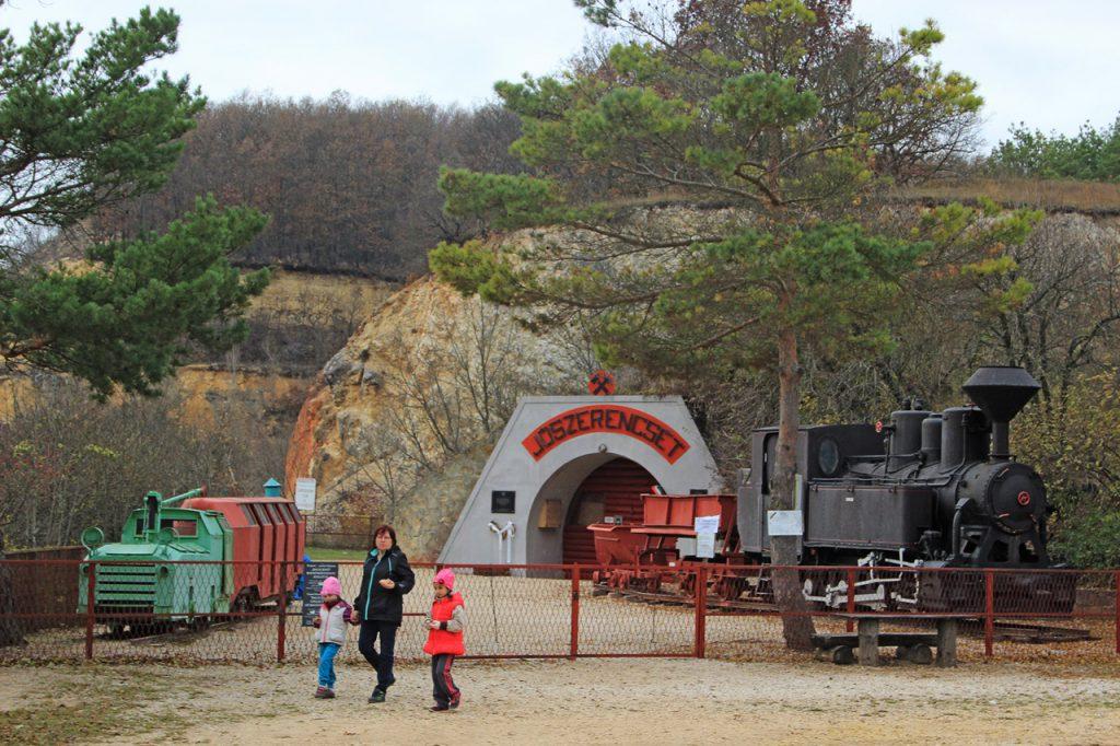 Bauxitföldtani Park és Balás Jenő Bauxitbányászati Múzeum (Gánt)